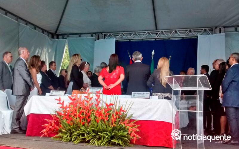 Câmara de Vereadores inaugura a Galeria dos 200 Anos e homenageia personalidades com outorga de títulos de cidadania e comenda
