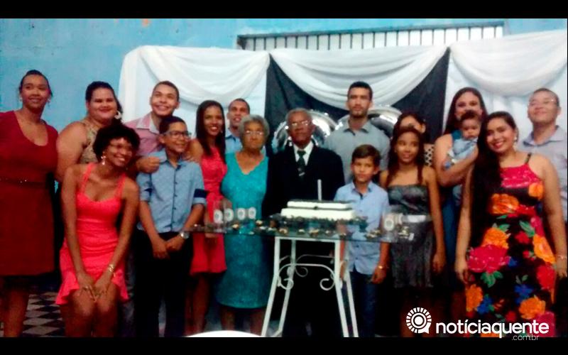 O Sr. Luiz Elias do Nascimento comemorou seus 82 anos de vida