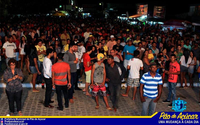 Prefeito Flavinho Almeida e comitiva participam do encerramento das festividades do povoado Impoeiras