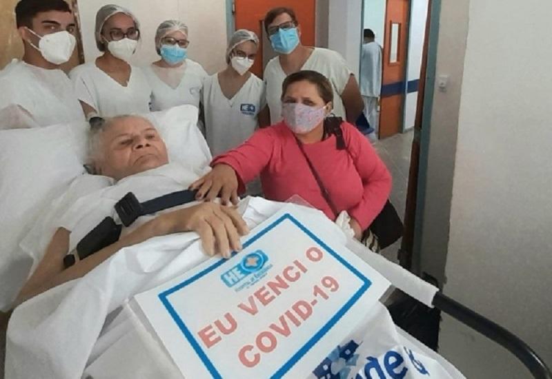 Idosa Maria Maia teve alta médica após 138 dias de internação