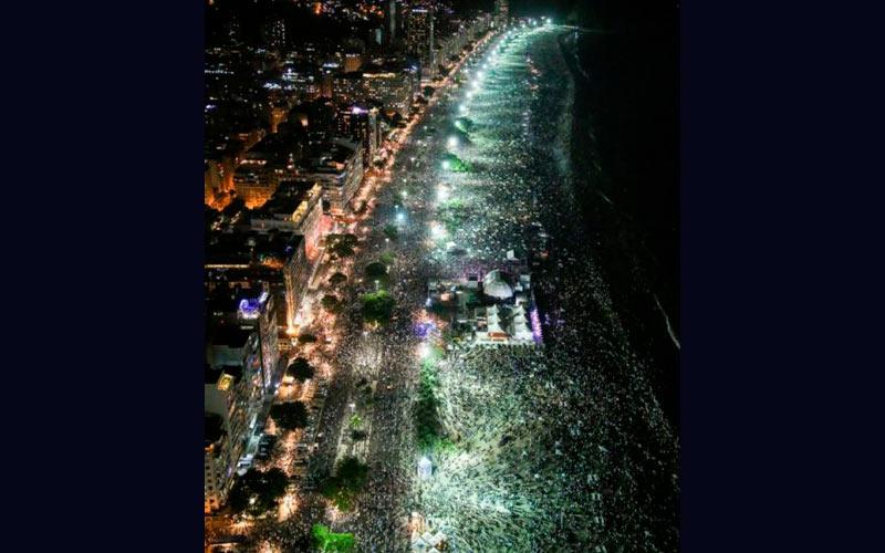 Praia de Copacabana terá 25 toneladas de fogos na virada do ano