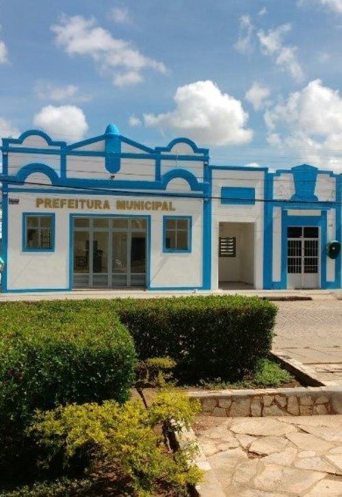 Prédio da Prefeitura de Pão de Açúcar revitalizado...