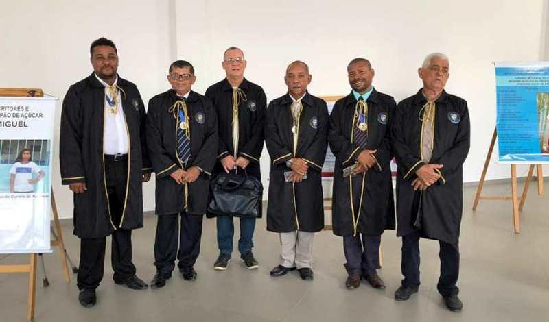 Membros da ALEPA durante evento literário, em novembro de 2019.