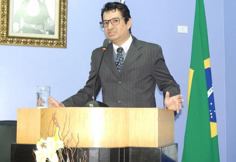 O advogado e professor Sandro Melros