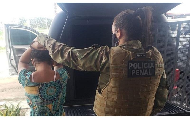 Mulher é presa tentando entrar com maconha no Presídio Cyridião Durval