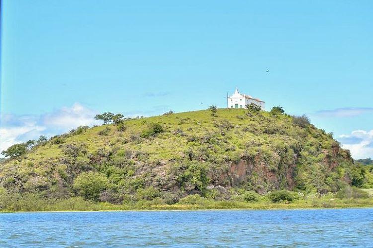 Igreja de Nossa Senhora dos Prazeres, em Barra do Ipanema - Belo Monte, data de 1.624