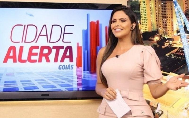 Silvye Alves apresenta o 'Cidade Alerta', da Record TV, em Goiás