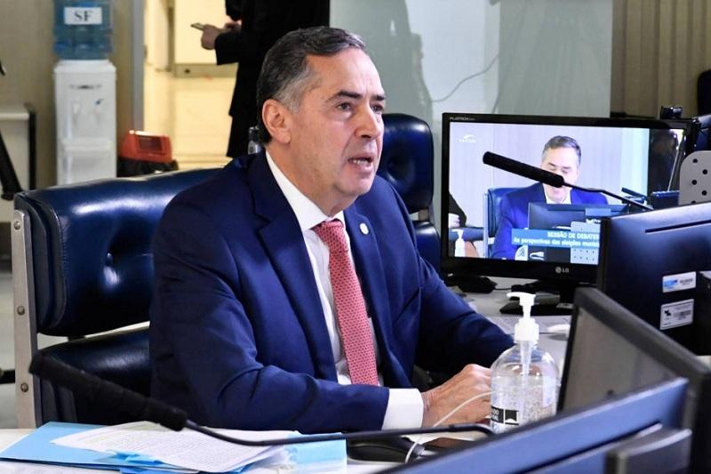 O ministro Barroso não agiu como deve agir um magistrado...