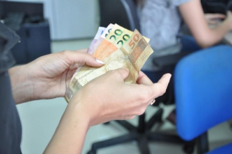 Recebem os servidores que possuem vencimentos até R$ 3,5 mil líquido