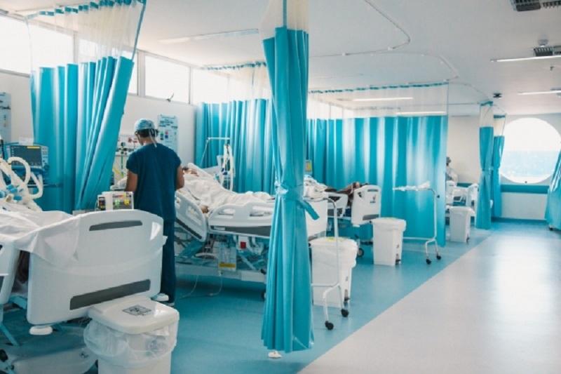Houve nítida queda na hospitalização e morte após o início da vacinação; em maiores de 80 anos, chega a 40%